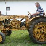 traktor fából