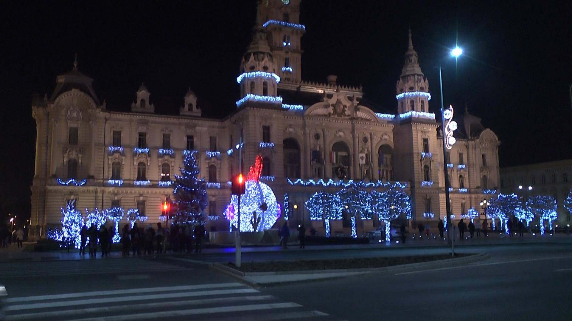 Weihnachtsmarkt Noch Geöffnet.Györer Weihnachtsmarkt Einer Der Schönsten Ungarns Ungarn Tv Com