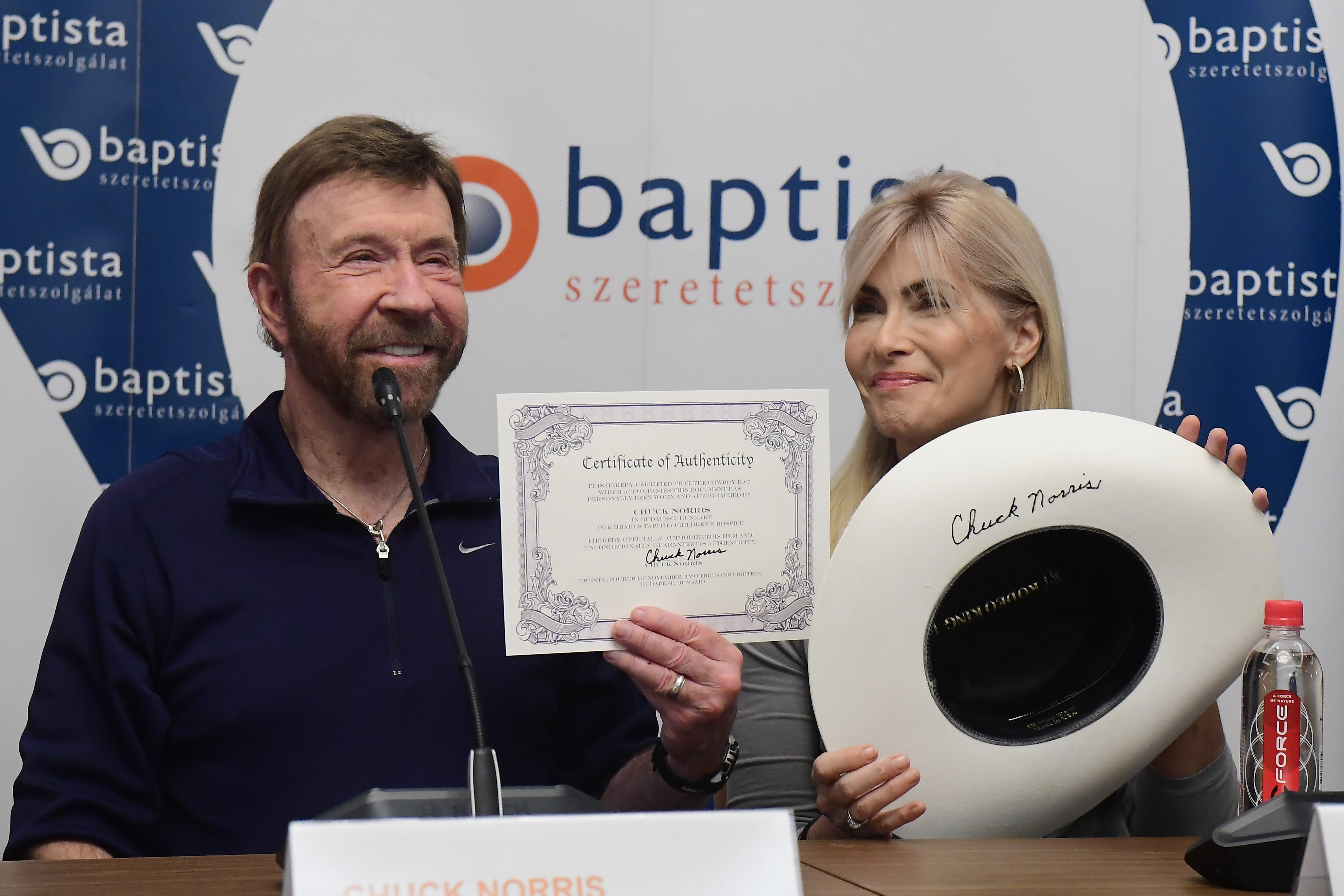 Chuck Norris ist in Ungarn | Ungarn-TV.com | Reisemagazin & Aktuelle ...