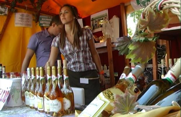 X. Biospeisen und Weinfest